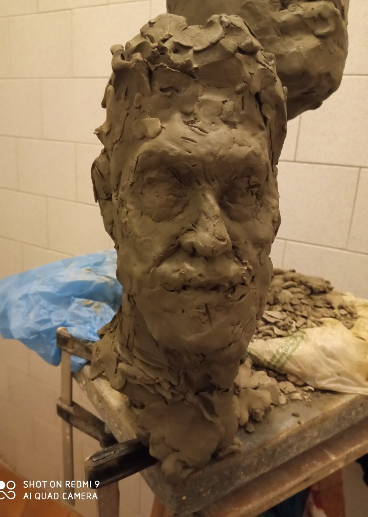 The portrait sketch of clay of my client of my works-composing the small rhythm on the big rhythm-develop the space